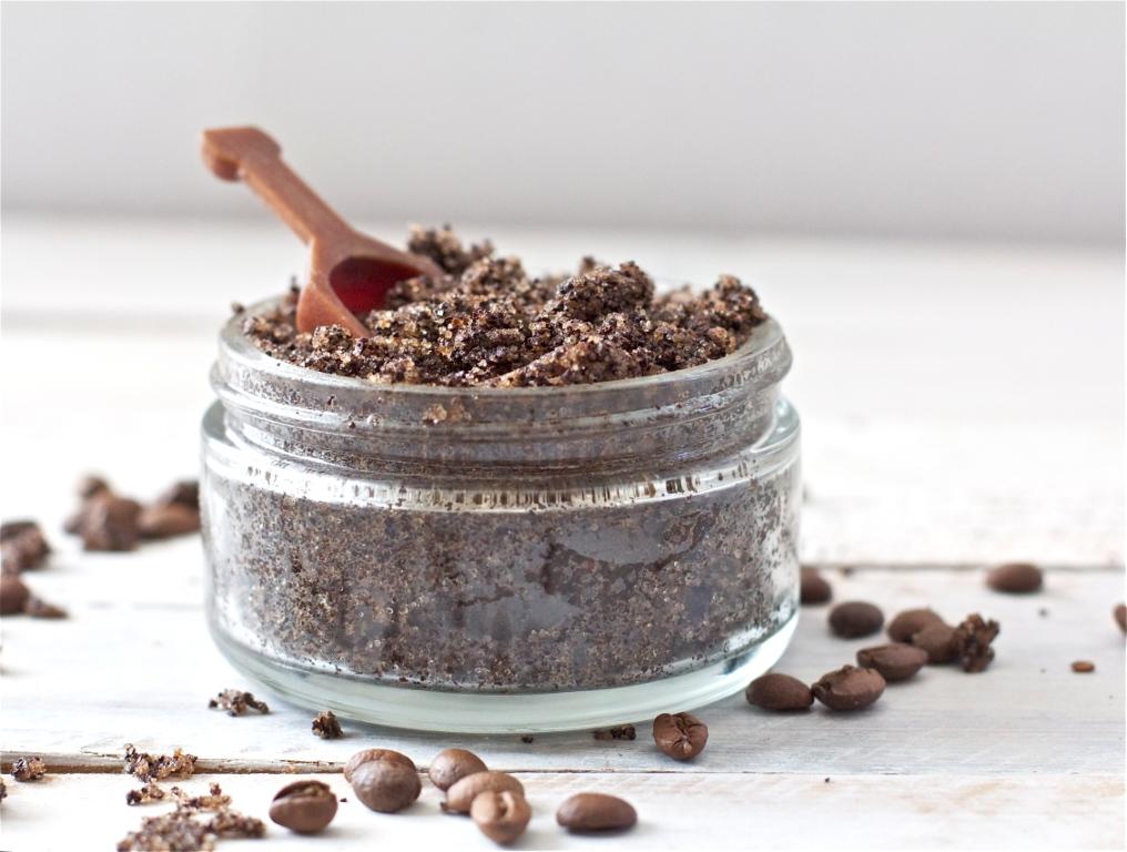 Coffee-+-Vanilla-Sugar-Scrub-offbeat-+-inspired-7