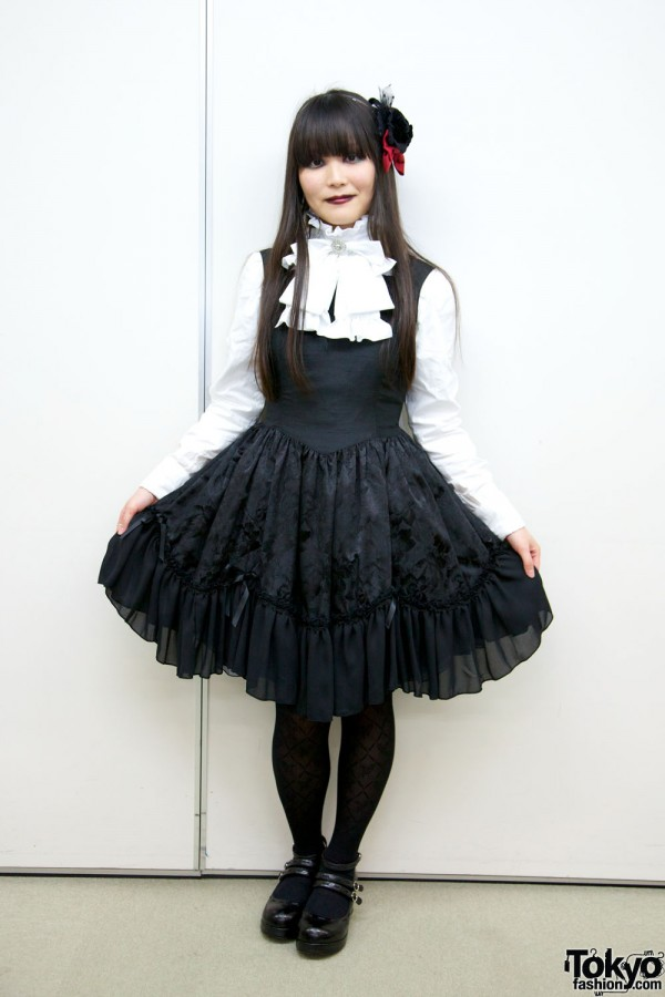 Gothic-Lolita-Punk-Japanese-Fashion-Show-2012-03-048-600x900