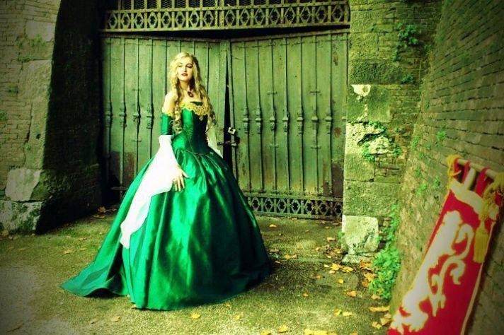 gothic-wedding-style-handmade-bridal-gowns-in-bold-colors-green__full