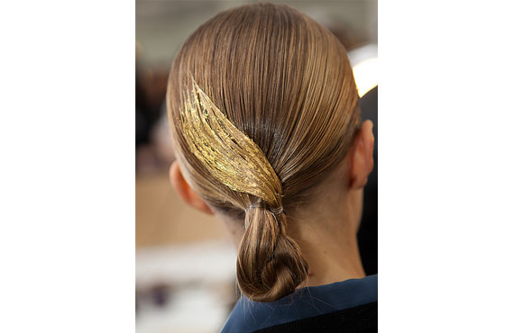 Jason-Wu-Aveda-gold-leaf-hair