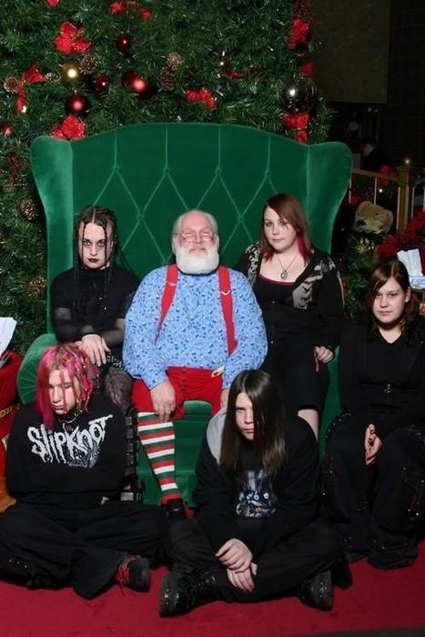 awkward-family-photo-christmas-goth
