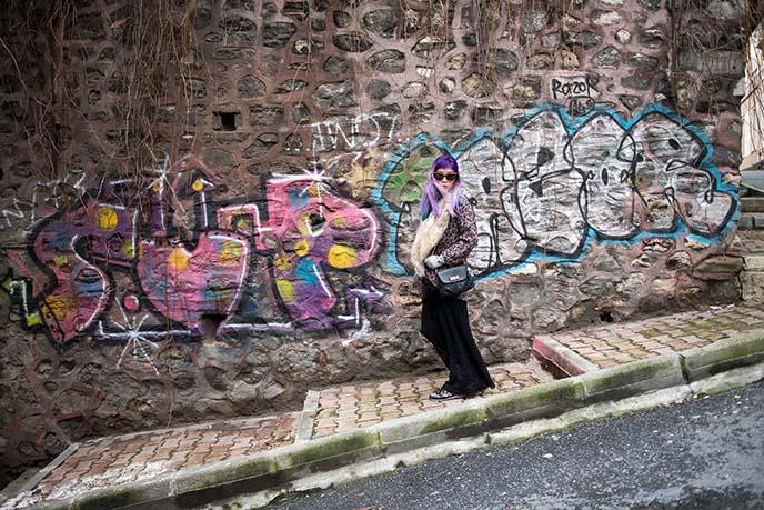 160205-istanbul-hipster-street-art-design-shops-14
