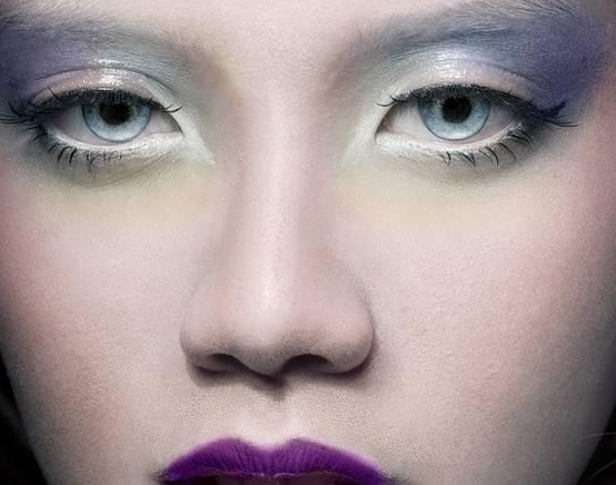 211986-makeup-mostly-white-makeup